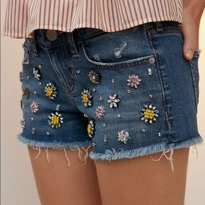 Express shorts with gemstones